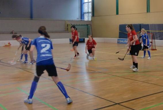 Die Floor Fighters Chemnitz im Eröffnungsspiel des Freundschaftsturniers gegen die SG Berlin rot.